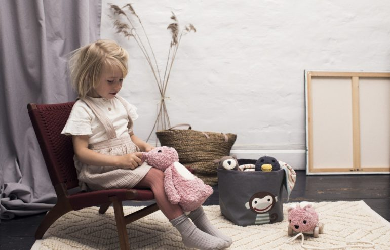 FRANCK-FISCHER-Carla-pink-monkey-storage-bin-1920x1231