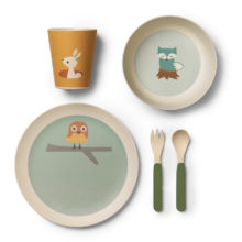 Tree-friends-dinner-set